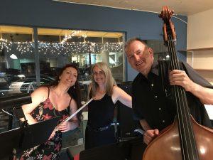 Linda Wehrli on keyboard, Ljiljana Lukic on flute and Roman Sirwinski on bass