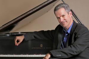 Robert Thies at Piano