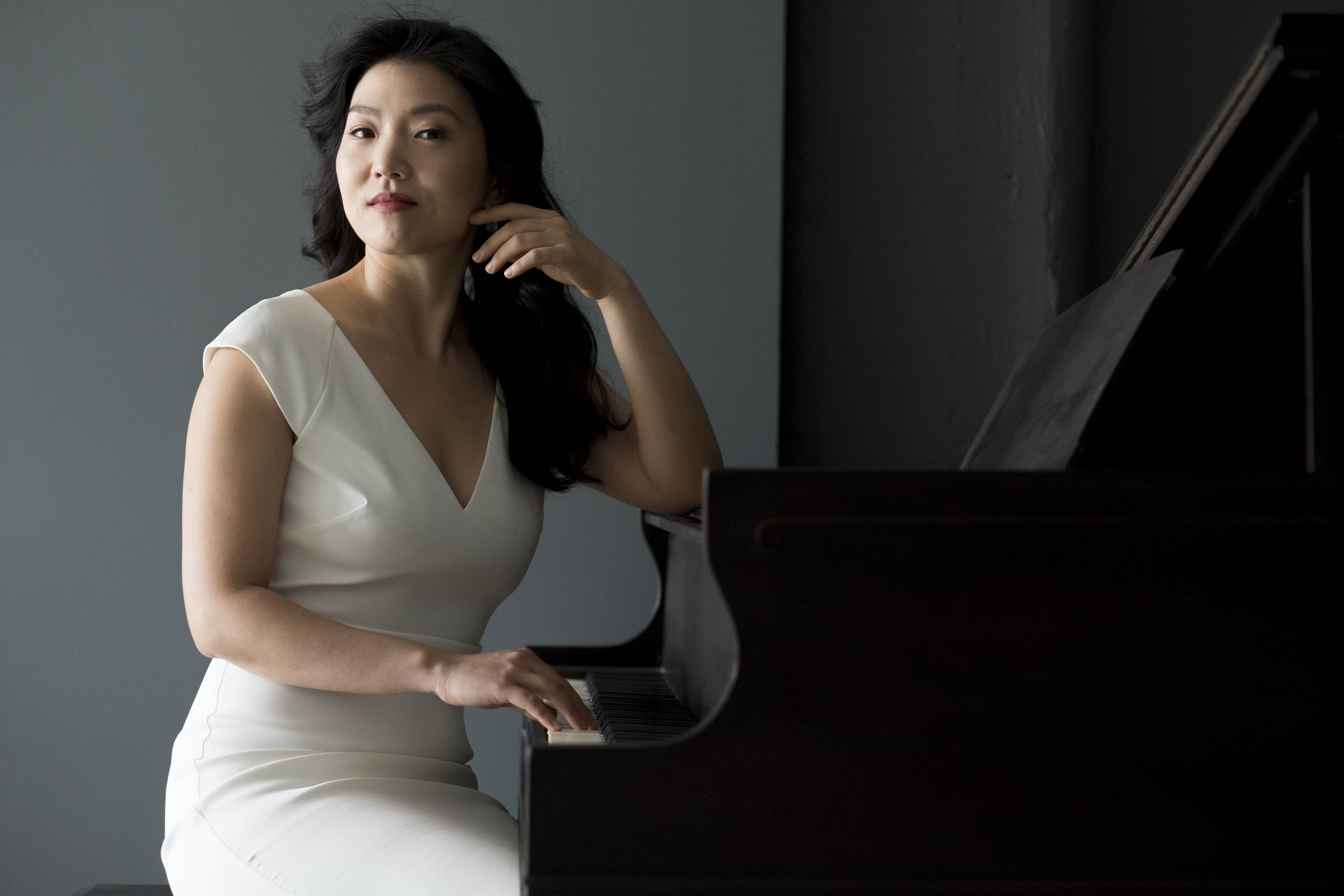 Jeeyoon Kim is interviewed by Pastimes for a Lifetime