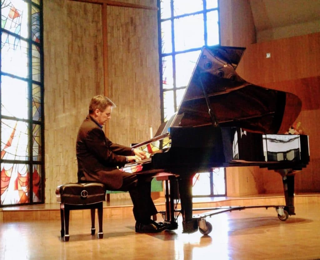Robert Thies Solo Piano
