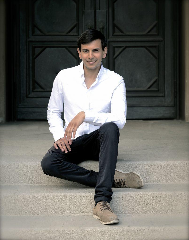 Vijay Venkatesh of The Vieness Duo