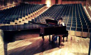 Argentine Pianist Daniela Salinas