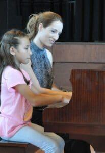 Danaë Vlasse teaches piano and composition to children